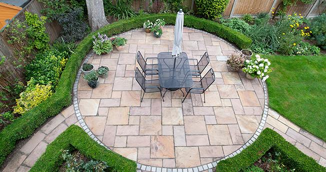 image d'une terrasse pavée